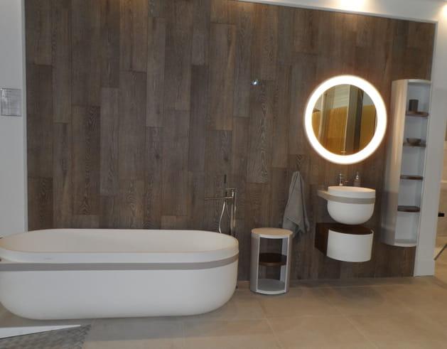 Salle de bains design chez Porcelanosa