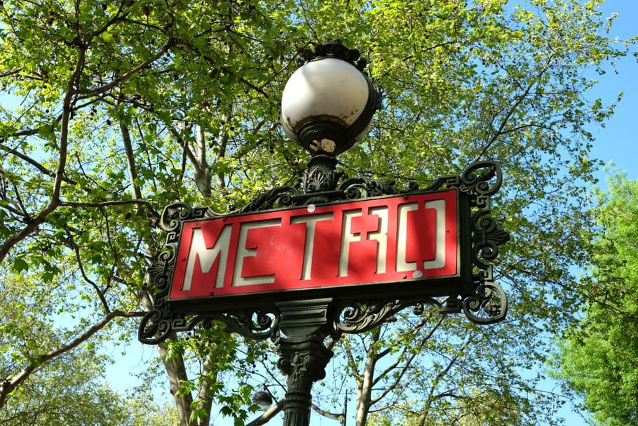 Deux femmes célèbres donnent leur nom à des stations du métro parisien