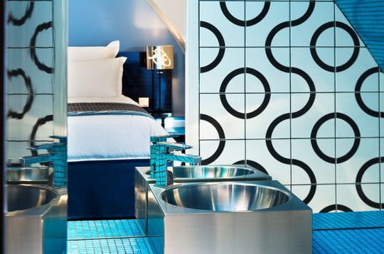 Salle de bains Jeu de Paume bleue