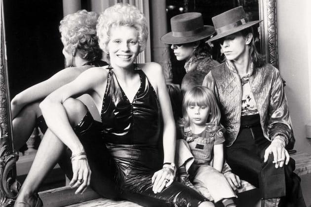 Avec sa femme Angie et son fils Zowie, 1974