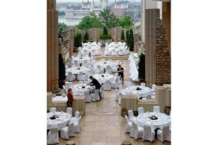 Les plus beaux hôtels de Budapest : le restaurant du Hilton