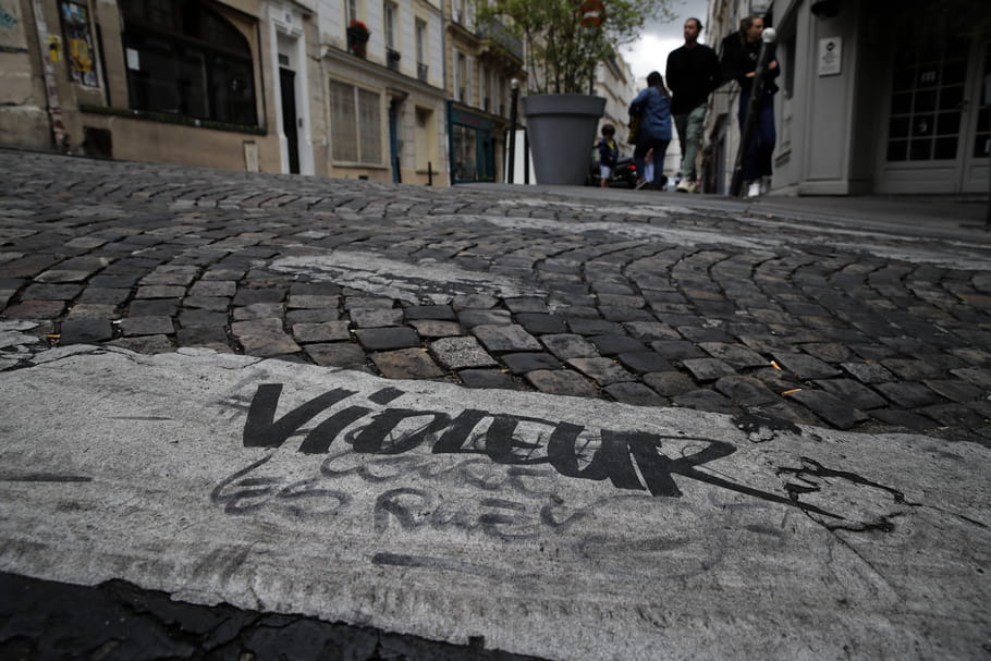 """Legraffeurde """"l'amour court les rues"""", Wilfrid A., mis enexamenpour viols"""