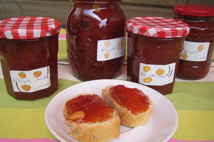 Confiture d'abricots et vanille de grand-mère