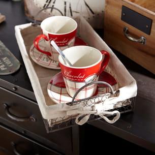 tasses et soucoupes d'amadeus