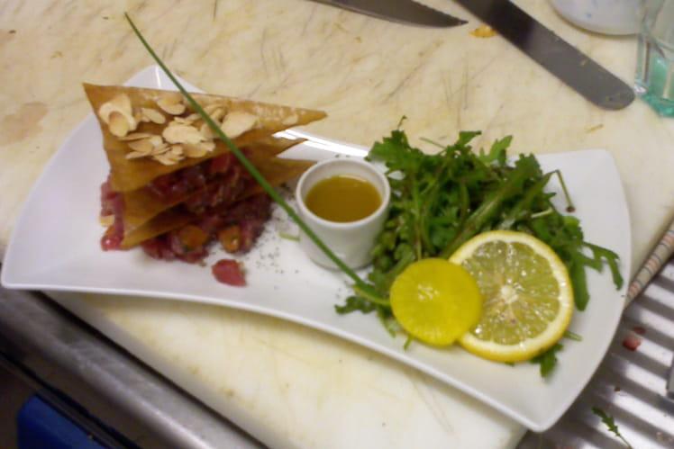 Tartare de thon rouge à la verveine et aux amandes