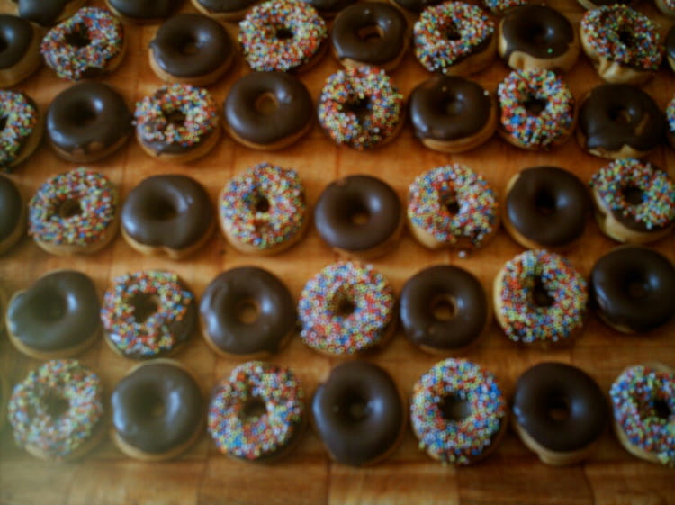 recette de mini donuts la recette facile. Black Bedroom Furniture Sets. Home Design Ideas