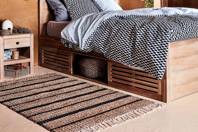 Le tapis à franges en jute