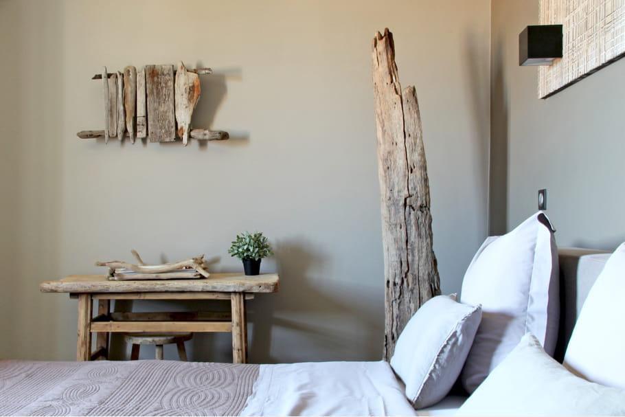Un grand morceau de bois relooker sa chambre avec moins - Relooker sa chambre a coucher ...