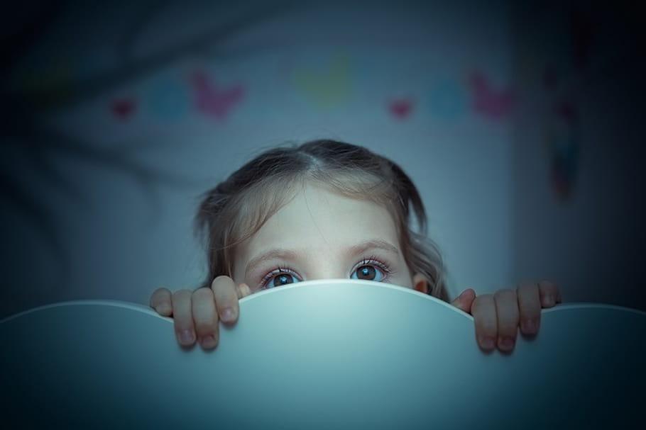Mais pourquoi les enfants refusent-ils de s'endormir ?