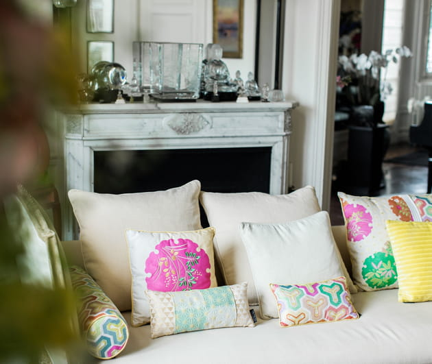 coussins de roche bobois x kenzo takada. Black Bedroom Furniture Sets. Home Design Ideas