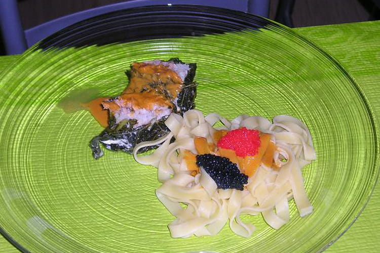 Roulades de saumon et de sole sur chou croquant