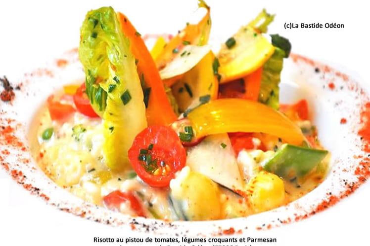 Risotto au pistou de tomates, légumes croquants et Parmesan
