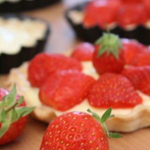 tartelette façon tiramisu aux fraises et au basilic