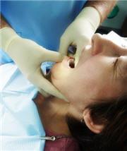 même sans dents, ça n'est pas une raison pour ne plus aller chez le dentiste !