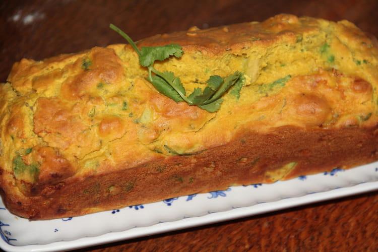 Cake aux crevettes, avocat, coriandre et curcuma