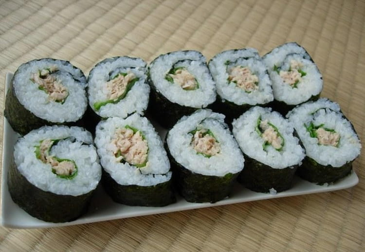 recette de maki sushi au thon tekkamaki la recette facile. Black Bedroom Furniture Sets. Home Design Ideas