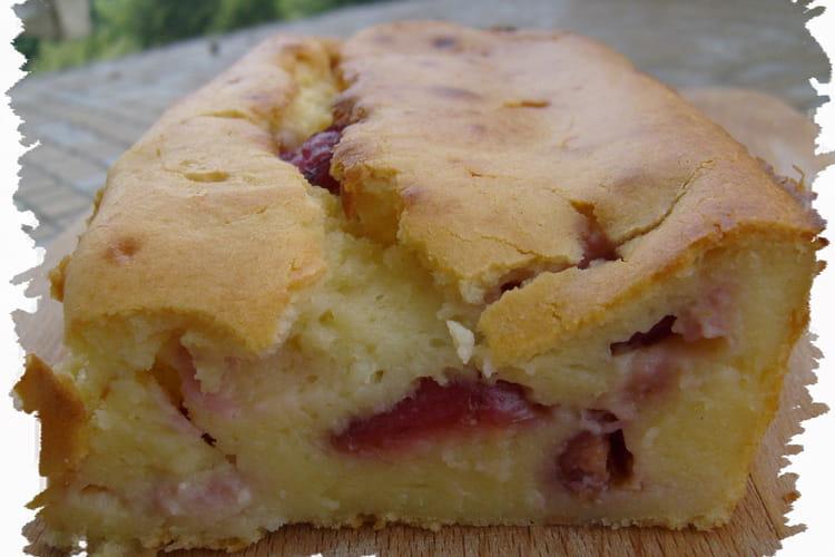Gâteau aux cerises et à la brousse