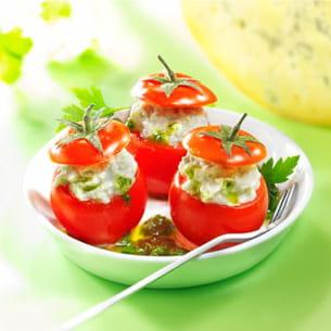 tomates cerise farcies à la fourme de montbrison, coulis de persil