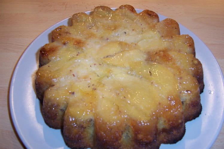 Quatre quarts caramélisé aux pommes