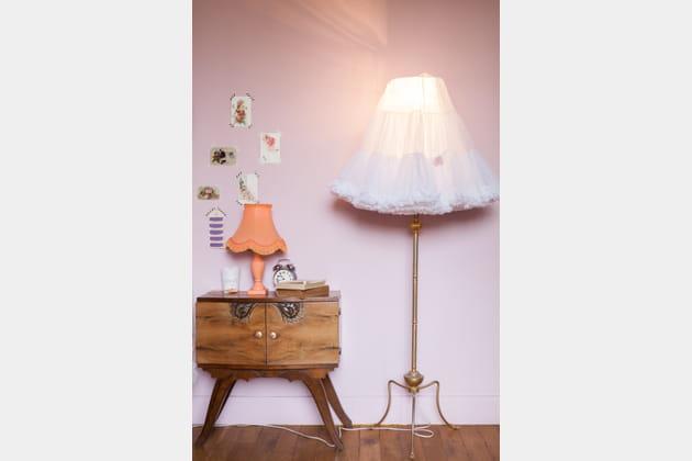 Un lampadaire original et féminin