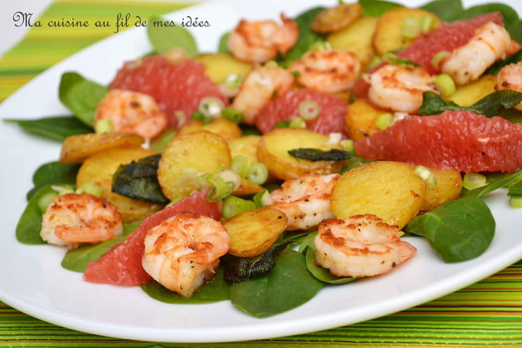 Salade d'épinards aux pommes de terre à la sauge, crevettes, pomélo et oignons nouveaux