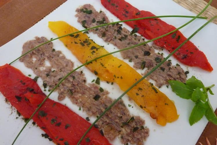 Salade de poivrons marinés, sauce figue-anchois