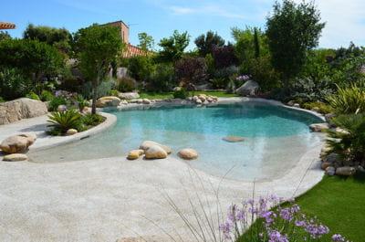 piscine devert turquoise