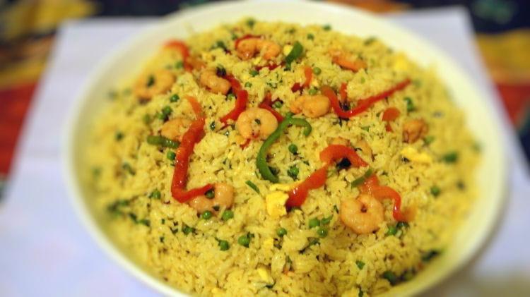 Recette de riz avec des crevettes et ses l gumes la - Cuisiner du riz blanc ...