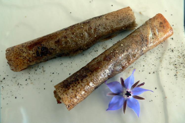 Feuilles de brick à la tapenade d'aubergine et anchois façon cigares