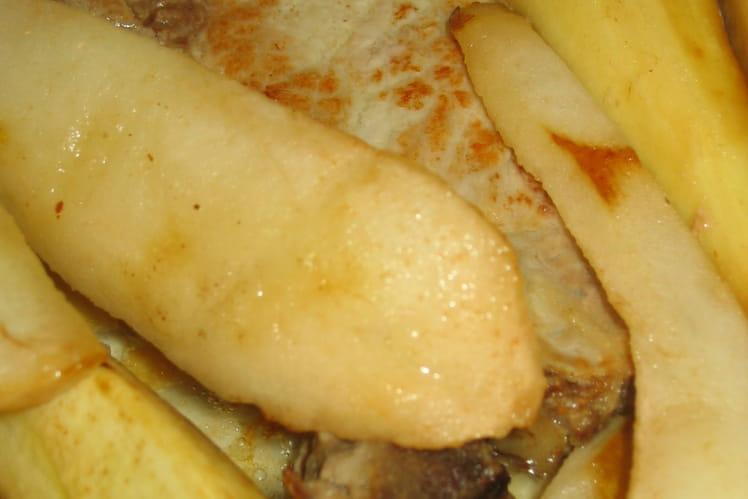 Côtelettes de porc aux panais et aux poires