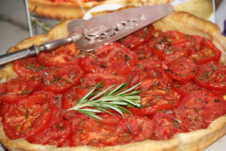 Tarte aux tomates, chutney de mangues et cheddar