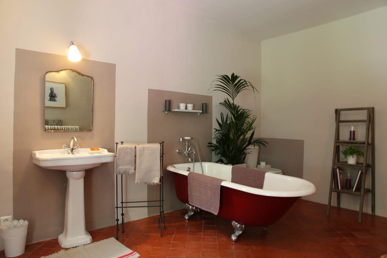 aplats de couleurs. Black Bedroom Furniture Sets. Home Design Ideas