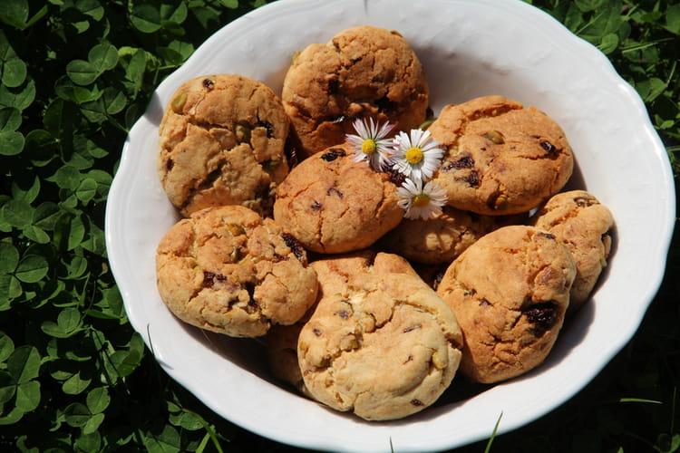 Cookies aux cerises séchées, pistaches et chocolat blanc