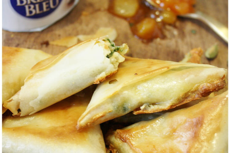 Samossas au Bresse Bleu et chutney poire-cardamome