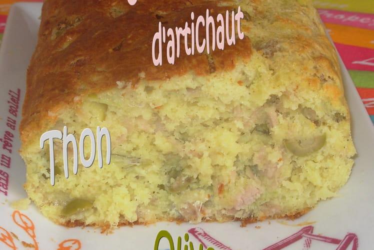 Cake au thon, artichaut et olives vertes