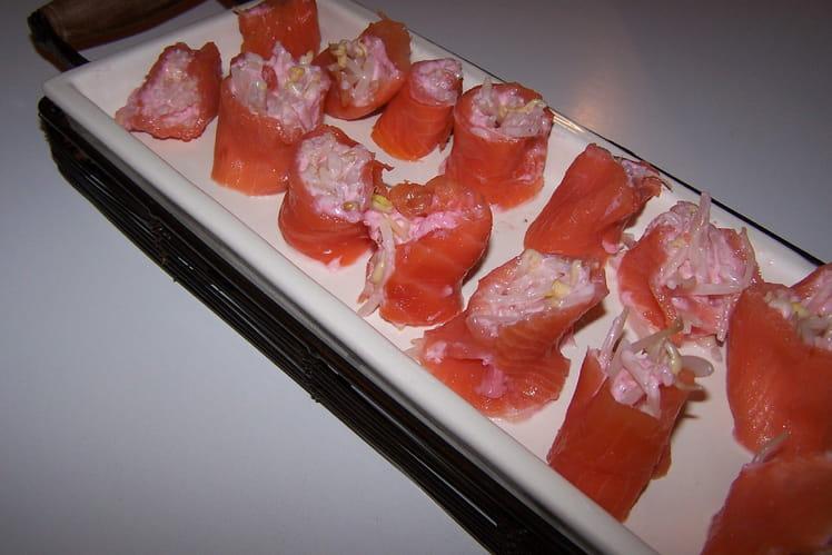 Rouleaux de saumon fumé aux pousses germées