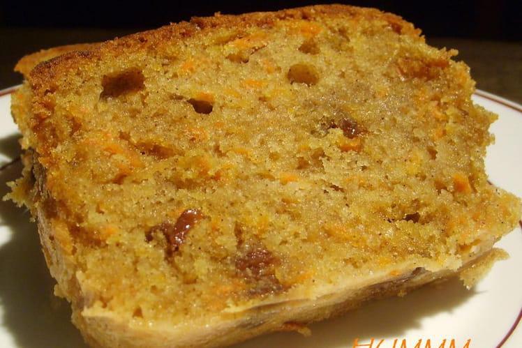 Cake aux carottes, curry et poivron ruge