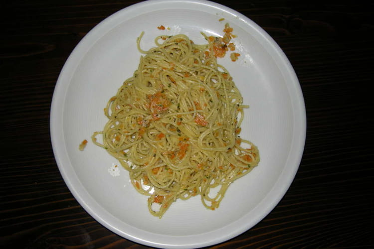Spaghettis carottes et basilic