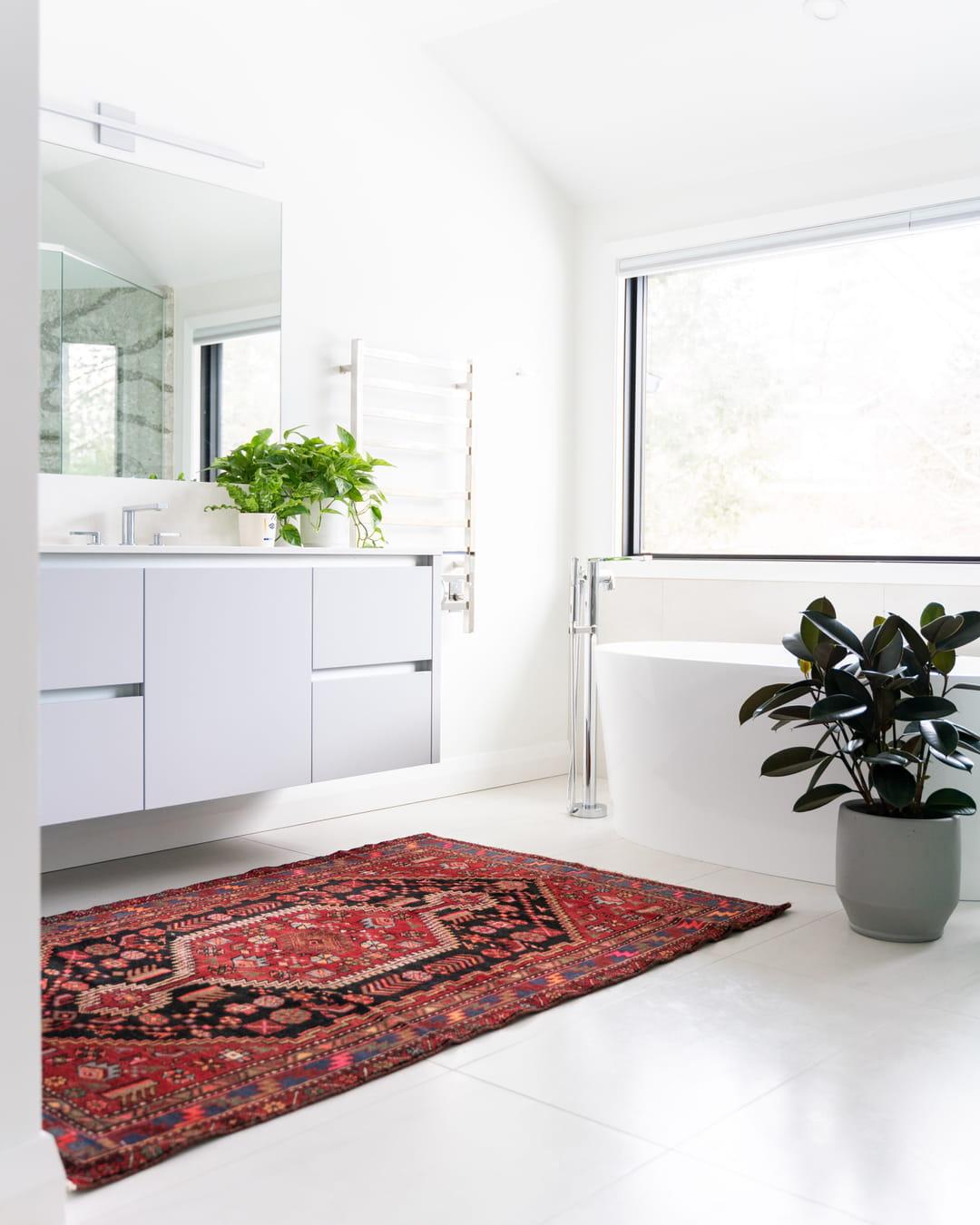 tapis-oriental-carrelage-blanc