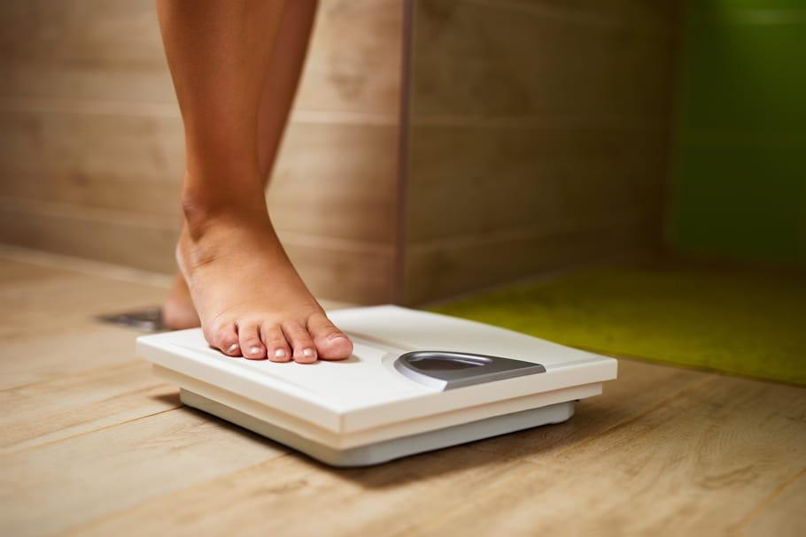 Pourquoi on prend du poids avant les règles?