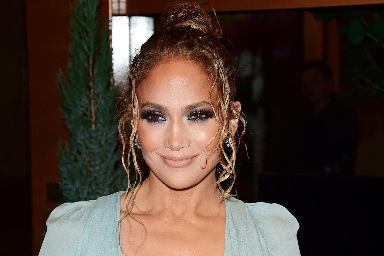 Jennifer Lopez change encore de coupe de cheveux