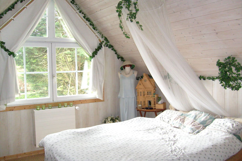 la chambre de sylvie nature. Black Bedroom Furniture Sets. Home Design Ideas