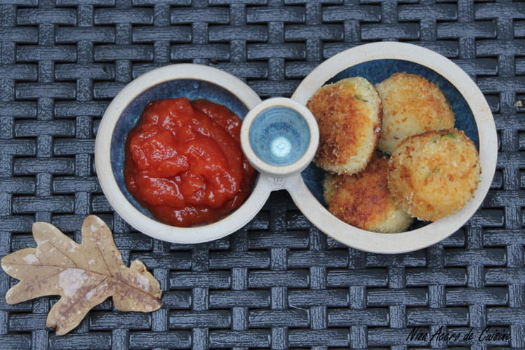 Croquettes de poisson et sauce tomate, curry et miel