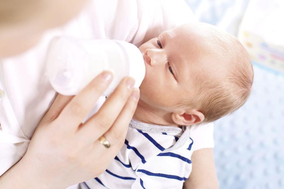Quelle eau utiliser pour préparer le biberon de son bébé?