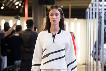 Tim Coppens And Under Armour - passage 15
