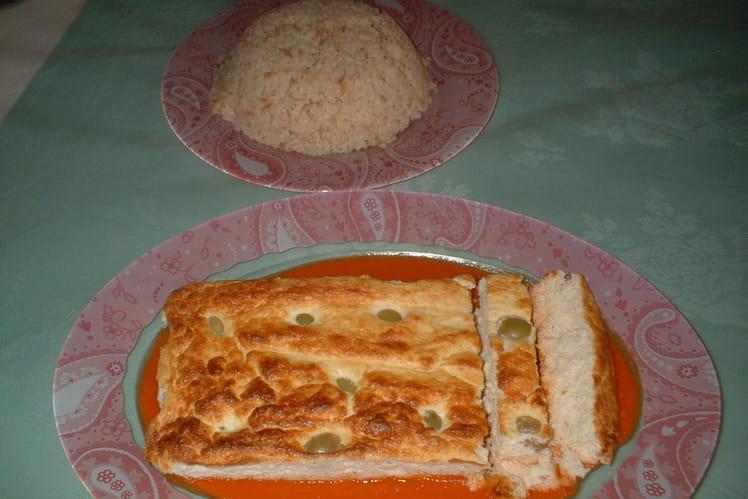 Cake au poulet et sauce tomate