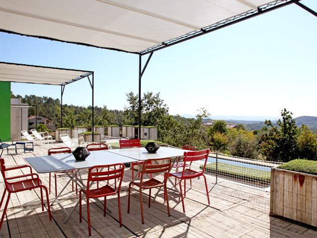 Une vaste terrasse
