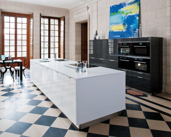 ilot de cuisine glamour de cuisines schmidt. Black Bedroom Furniture Sets. Home Design Ideas