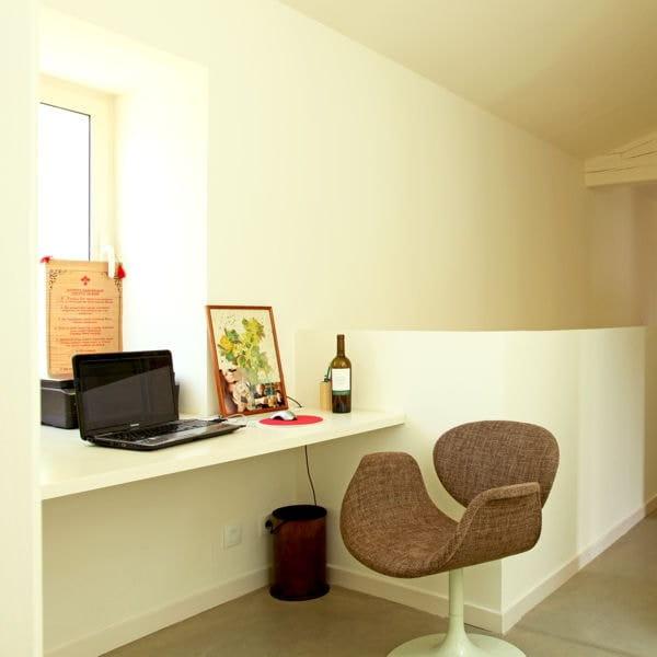 comment installer un coin bureau dans un petit espace. Black Bedroom Furniture Sets. Home Design Ideas
