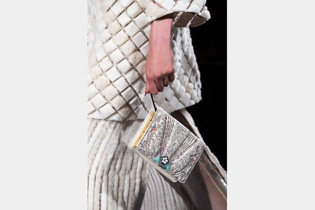 Fendi Couture (Close Up) - photo 17